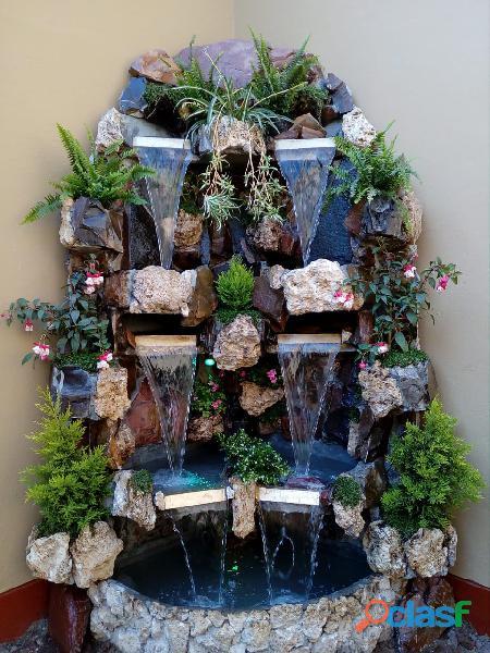 cascada artificial en pared, muro llorón, velo de agua, caida de agua 10