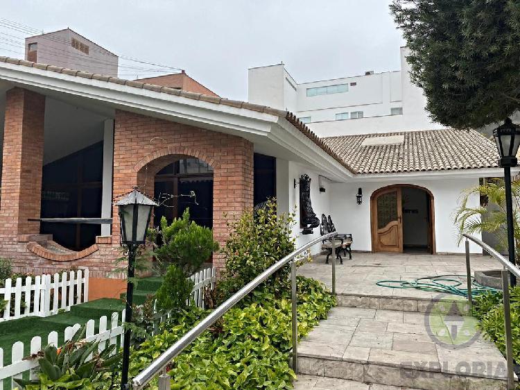 Casa en alquiler- zona exclusiva de chacarilla - ideal para