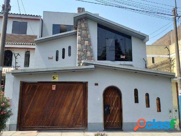 Casa en venta 3 pisos 386 m2 urb mayorazgo - ate
