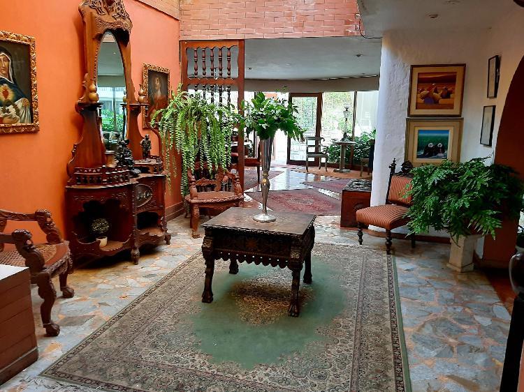 Hermosa casa/ terreno en venta!