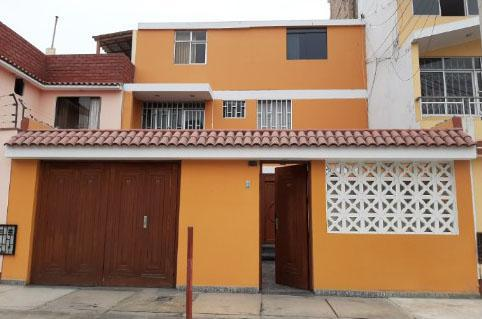 Se vende casa de 3 pisos con cochera en bellavista