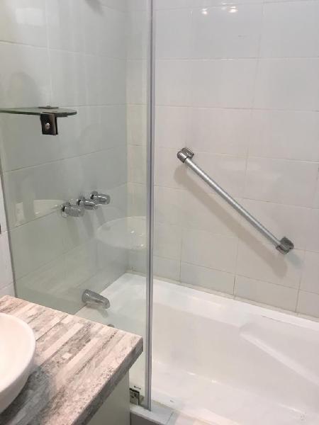 Casa en san isidro - 4 cuartos con baño incorporado - por