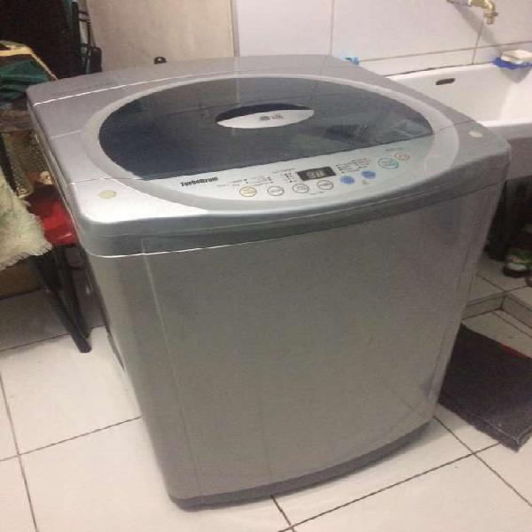Lavadora lg de 12,5kg automatica en Lima