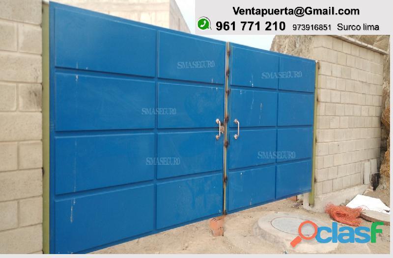 puerta batiente doble hoja de plancha acanalada