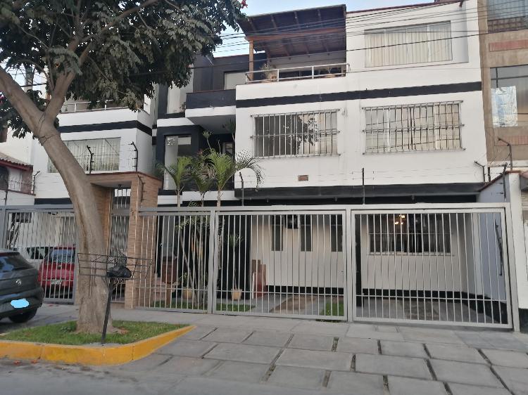 Se vende duplex primer y segundo piso más cochera - surco