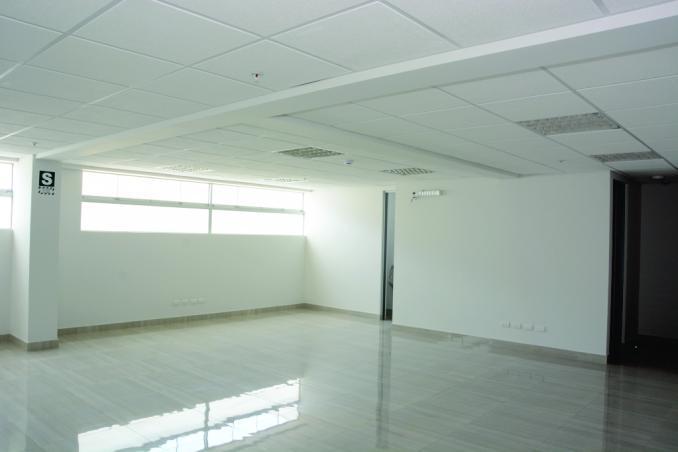 En alquiler edificio de oficinas en san isidro! ovalo
