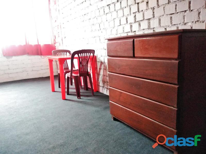 Se alquila amplia habitación amoblada con baño propio s/.400.00 smp – ideal para parejas