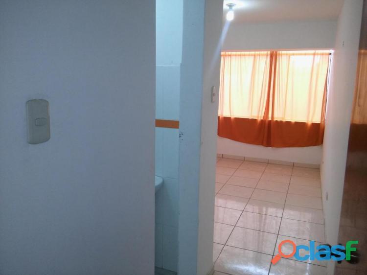 Se alquila bonita habitación c/baño propio ideal para parejas s/.370 smp   incluye servicios