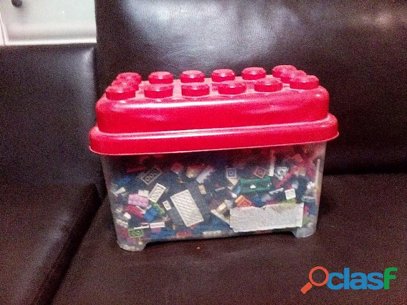 CAJA DE LEGO DE MUCHOS COLORES xd 1