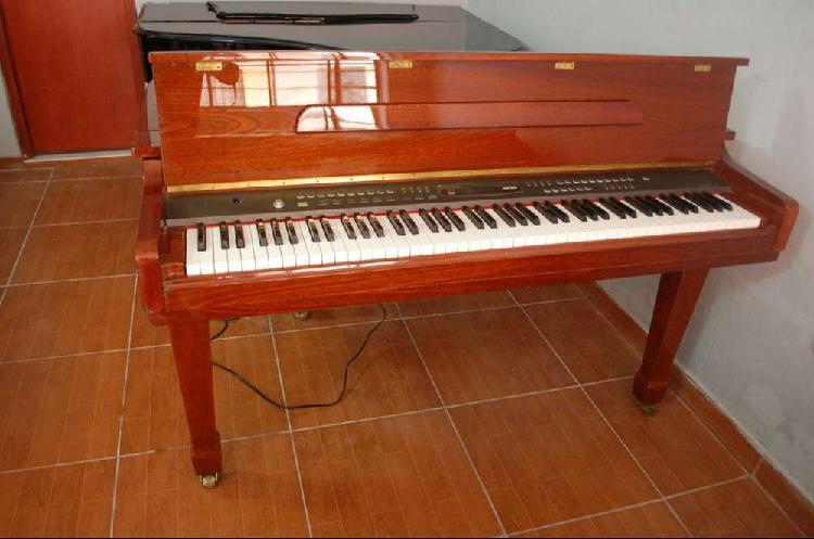 alquiler o venta de piano de cola en lima
