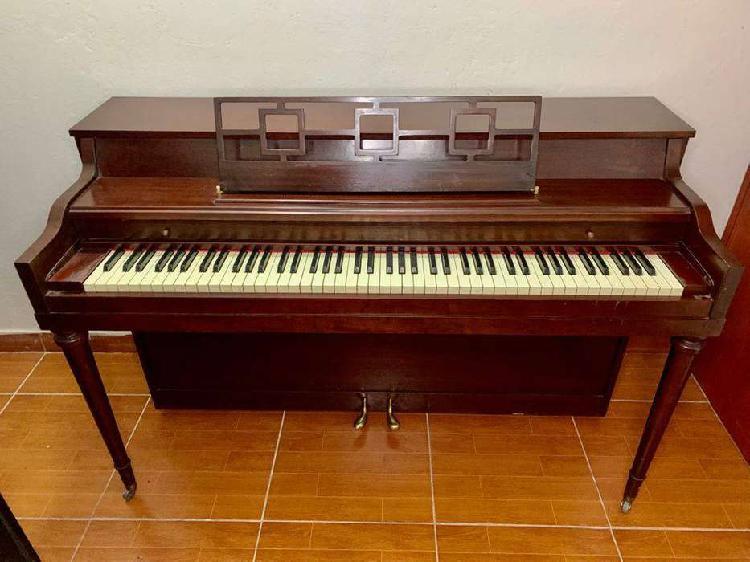 PIANO ACUSTICO DE PARED MUY BIEN CONSERVADO 1450