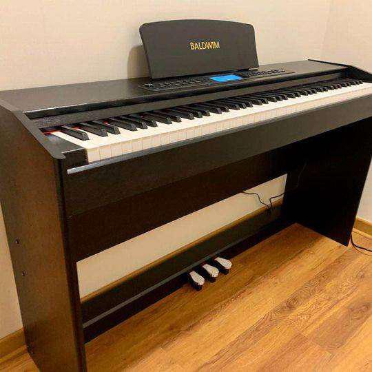 Piano digital baldwim negro