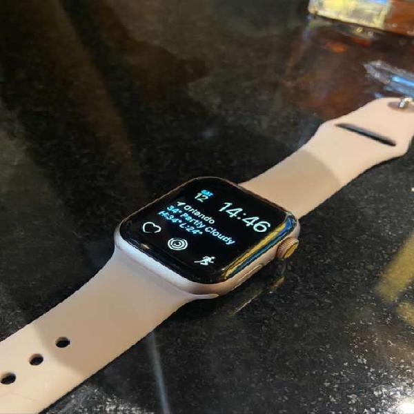Apple watch 40mm 4ta G 2 correas