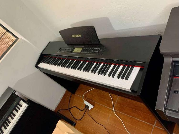 Piano digital vertical marca baldwim