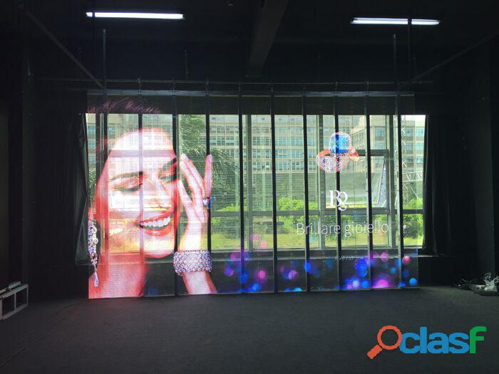 Pantallas LED de transparente para fachadas de vidrio y escaparates de tiendas 4
