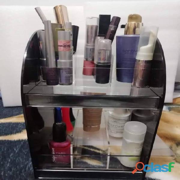 Organizadores exhibidores de cosméticos en acrílico 12