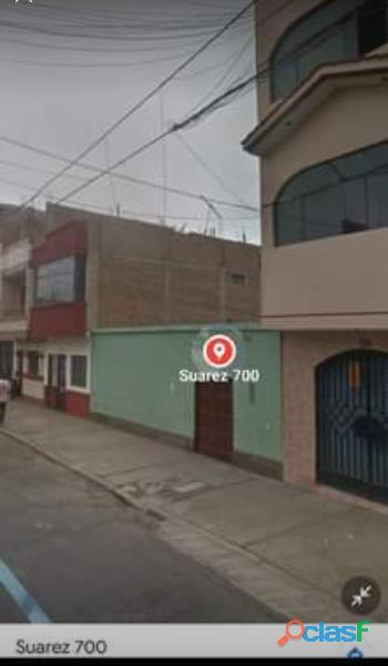Se Vende casa o como terreno, 243m2. En Urbanización Chicago. TRUJILLO Zona Altamente Comercial.